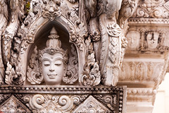 Goddess in the Wat Kanmatuyaram (Wat Yo Khan Tue) temple (Daniel Vicario) Tags: bangkok krungthepmahanakhon thailand th