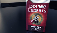 Gerard Unger's Alverata in use in the Dutch brand Douwe Egberts (TypeTogether) Tags: alverata gerardunger typetogether typeinuse wwwtypetogethercom