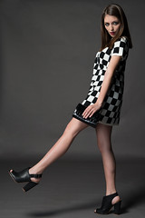 Black and White Editorial (AndrePatrocinio) Tags: white black branco model preto modelo checkers brunette morena xadrez