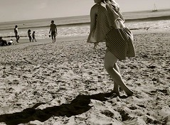 Santa Monica Beach (justindomingue) Tags: santa bw beach girl monica