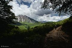 Finestra sul monte Corvo (EmozionInUnClick - l'Avventuriero's photos) Tags: sentiero gransasso montecorvo