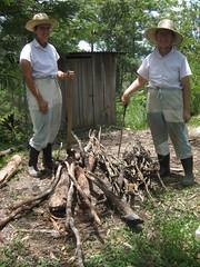 Big haul! 7-13 (Amigas del Senor) Tags: alegria slideshow firewood confianza