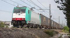 Anonima Cross! (Raffaele Russo (LeleD445)) Tags: atc angel train fan dc rail spot cargo container u fans 3000 piacenza gts bombardier traxx chiasso smistamento 3kv e483