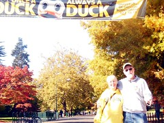 Autumn outing, UO (LarrynJill) Tags: sign campus jill ducks homecoming larry uo larrynjill