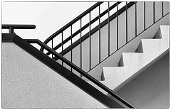 Stairs (gordeau) Tags: bw stairs gordon railing ashby explored flickrchallengegroup flickrchallengewinner thechallengefactory thepinnaclehof gordeau tphofweek236