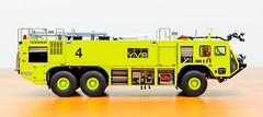 TWH Oshkosh Striker 3000 ARFF YVR - VII (KNL-17) Tags: nikon 150 firetruck yvr speedlight oshkosh scalemodel twh vancouverinternationalairport arff sb900 d3s nikkorafs2470mmf28g oshkoshstriker3000