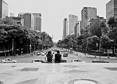 Couple (Campanero Rumbero) Tags: street city trip travel canon mexico monocromo avenida calle couple day shot pareja cam ciudad pic dia bn turismo ciudaddemexico disparo
