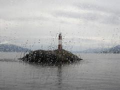 Faro llovido (Marisali) Tags: patagonia lighthouse argentina faro tierradelfuego ushuaia canaldelbeagle leseclaireurs
