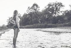 FotoRacconto (Lorenzo Babucci.) Tags: summer portrait people bw italy woman white black sexy girl smile look night portraits canon vintage donna model eyes nikon italia fiume picture occhi sensuality ritratti ritratto beautifull bellezza intruder ragazza themoon labbra