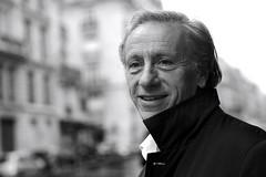 #Paris l'écrivain, médecin et Académicien Jean-Christophe Rufin devant mon objectif @gallimard (nikosaliagas) Tags: