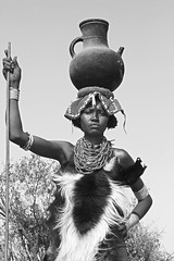 Dassanech Ethiopia (Olivier DARMON) Tags: africa portrait white black noir skin african details tribal tribes tribe nudity et scarification femmes afrique oubliés blancblack africantribes olivierdarmon detailsethiopia incisiondelapeau lasttribes