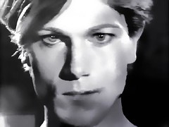 John Foxx _ 1980 (cazzfoxx) Tags: musician music john video screenshot promo still artist performing singer 1980 foxx ultravox rockandpop milesaway electronicrock johnfoxx