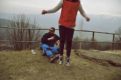 Leopardi Giump! (battista ferrero) Tags: alps cn jump maddalena salto papà infinito alp alpi montagna papera sanbernardo leopardi saltare figlia senzatesta elevazione leopardata rifreddo battistaferrero retulip saltareù giump leopardatacoperta copertacoperta