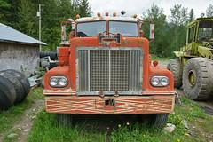 Hayes 17.5.2014 0947 (orangevolvobusdriver4u) Tags: canada abandoned truck britishcolumbia scrapyard hayes oldtruck kanada lkw 2014 schrottplatz archiv2014