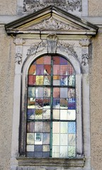 Church window (:Linda:) Tags: germany thuringia town hildburghausen stainedglass window reflection apostelkirche church pediment rocaille