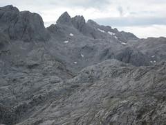 Picos de Europa, Asturias (Pablo FJ.) Tags: alpino calizas montaña altamontaña geomorfología geomorfologíaglaciar circoglaciar picosdeeuropa