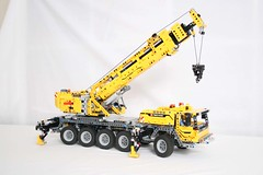 LEGO Technic 42009 Mobile Crane MKII (RS 1990) Tags: new art yellow set construction model pieces steering lego drum box wheels steps engine rope turntable motors technic rack elements instructions pistons gears winch flap beams tyres connectors lifting levers pulleys hoist pinion flagship booklets outriggers 2ndhalf axles 2013 actuators stabilizers 42009 powerfunctions mobilecranemkii
