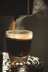 Coffee (Jessica Pimentel) Tags: hot coffee café de drink 10 smoke machine delta espresso q expresso fumaça máquina qool