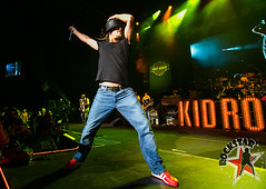 176032254SL021_Kid_Rock_And