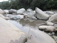 Los Pozos de Caldera Hot Springs, Panama (Aug-2013) 073 (MistyTree Adventures) Tags: outdoor panama boquete lospozosdecaldera latinamerica boulders jungle trees water