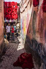 Souk Tintori (giacomo_borghesi) Tags: africa red color colour lana wool canon eos north morocco marocco marrakech souk medina colori 60 suq dyers asciugare tintori 60d matassa