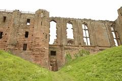 KENILWORTH CASTLE_DSC5684 XRHCP (Roger Perriss) Tags: castle stone ruin bank defences warwickshire kenilworth d600 12c kenillworthcastle