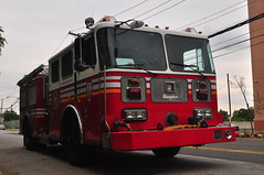 Metropolitan Fire Engine (Triborough) Tags: nyc newyorkcity ny newyork mfa engine firetruck travis fireengine statenisland seagrave richmondcounty metropolitianfireassociation