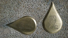 Parcours historique d'Evian marqué par des gouttes de bronze au sol