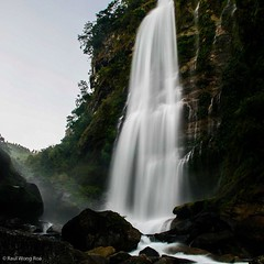 #bomokodfalls in #Sagada #MountainProvince #Philippines #travel #falls #igersphilippines #longexposure #slowshutter (Raul Wong Roa) Tags: square squareformat iphoneography instagramapp uploaded:by=instagram