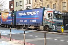 P1100113 (smith.rodney74) Tags: 69bfg4 vehicle graphics redroute cyclelane metalbollards cityonline keepleft bluearrow nedderlands