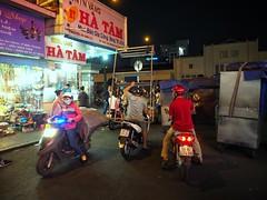 Ho Chi Minh (-Faisal Aljunied - !!) Tags: streetphotography vietnam saigon hochiminh faisalaljunied motorcycle