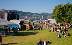 Linzfest 2013 -Tag 1 (austrianpsycho) Tags: people linz leute stage wiese icecream zelt pavillon zipfer sitzen sonnenschirm stehen donaupark 2013 linzfest bühne donaulände 18052013 linzfest2013