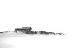 the beach cottage / la cabana de la platja (Ferran.) Tags: sea costa house beach mar casa playa galicia morte fusta platja