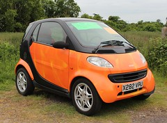 2001 Smart City Coup Cdi (Stuart Axe) Tags: city smart car mercedes diesel micro mercedesbenz coupe smartcar mcc microcar fortwo cdi forfour citycar w450