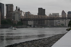 Approaching boats (ecksunderscore) Tags: eastriver