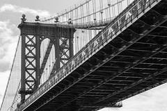 Manhattan Bridge New York City (Alejandro Prez) Tags: bridge newyork brooklyn blackwhite suspension manhattan manhattanbridge eastriver suspensionbridge nationalhistoriccivilengineeringlandmark canonef70200f28is canoneos5dmarkii