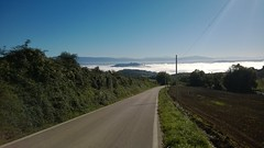 Todi in The Middle Of A Sea Of Early Morning Mist (Vicchi) Tags: share