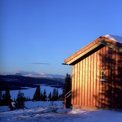 hyttagrend (naprisi) Tags: winter snow mountains film norway analog landscape norge view kodak norwegen mf pentacon portra pentaconsixtl mittelformat