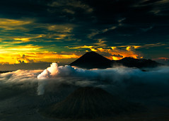 Sunrise over Mount Bromo (new shot) (rosskevin756) Tags: greatphotographers blinkagain tplringexcellence flickrstruereflection1 flickrsfinestimages1 flickrsfinestimages3 infinitexposure