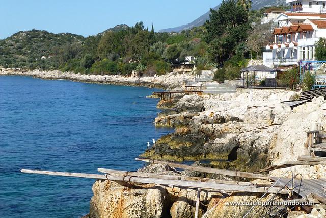 Rocas en el litoral de Kas