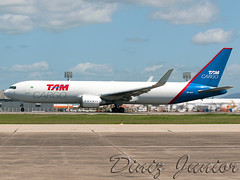 Tam Cargo's Boeing 767-300F (Diniz Jr) Tags: for aviation landing fortaleza boeing tam spotting aviao freighter cargoplanes boeing767 spotter colorsoftheworld latam sbfz cargoaviation tamcargo