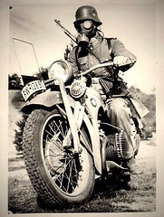 "Moto at war • <a style=""font-size:0.8em;"" href=""http://www.flickr.com/photos/81723459@N04/14131402977/"" target=""_blank"">View on Flickr</a>"