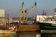 A working harbour (II).. (AJFpicturestore) Tags: boats fishing cornwall cables fishingboats tackle padstow liftinggear loading booms hoist morgenster workingharbour alanfoster cornishharbours acutra workingwiththetide