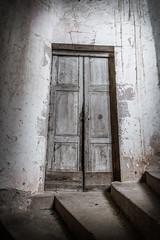 enter into the mystery (Jan Moons) Tags: door old france castle abandoned architecture nikon nikkor bruniquel kasteel urbex d600 2485mm nikond600