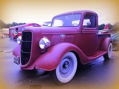 1936  Ford  Pick -up .. (John(cardwellpix)) Tags: uk ford up 1936 sunday july surrey pick weybridge 26th brooklands 2015