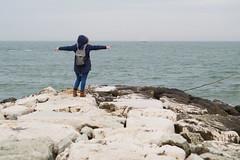 """#5 """"carry me over now"""" (Agathé (Sonia)) Tags: sea winter wintersea mare inverno maredinverno scogliera cliff friends annilucephotography nikon nikond3100 tamron tamron2875"""