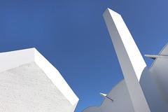 Dodecaedro (Eduardo Valero Suardiaz) Tags: white acentos chimney blanco blue azul csic torroja ietcc eduardo dodecaedro dodecahedron chimenea instituto institutoeduardotorroja madrid espaãƒâ±a
