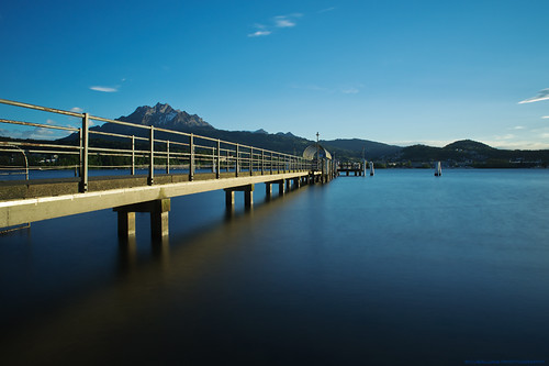 golden jetty and mount pilatus