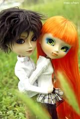 Parejita de puretas... (fliki-mec) Tags: boy two cute love nature girl couple doll lovers full shade romantic pullip custom taeyang