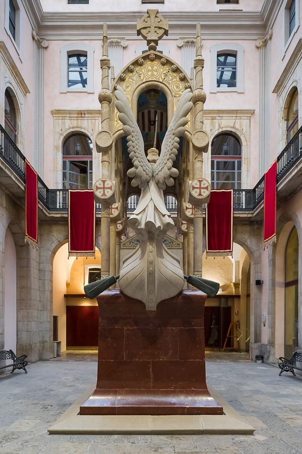mausoleu de jaume i ajuntament tarragona xavier de tags espaa
